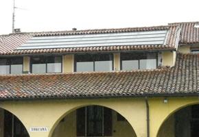 Taglia impianto fotovoltaico: 4,5 Kwp Località: Torbole Casaglia(Brescia) Moduli utilizzati: BOSCH 245wp Inverter utilizzati: Power One