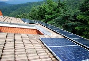 Taglia Impianto fotovoltaico: 6 Kwp Località: Almese (Torino) Moduli utilizzati: REC Inverter utilizzati: POWER ONE