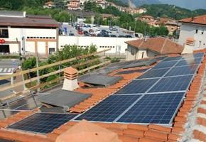 Taglia Impianto fotovoltaico: 5 Kwp Località: Avigliana (Torino) Moduli utilizzati: REC Inverter utilizzato: SOLARMAX