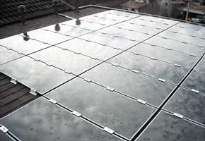 Taglia Impianto fotovoltaico: 2,99 Kwp Località: Preseglie (Brescia) Moduli utilizzati: First Solar 77wp Film sottile Inverter utilizzati: Power One Note: moduli a film sottile su tetto piano