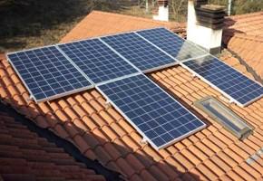 Taglia Impianto fotovoltaico: 3 Kwp Località: Odolo (Brescia) Moduli utilizzati: Qcell 235wp Inverter utilizzato: Power One