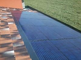 Taglia impianto fotovoltaico: 3,8 Kwp Località: Calvisano (Brescia) Moduli utilizzati: CENTROSOLAR 195wp Inverter utilizzato: PowerOne Particolarità: impianto integrato con innovazione teconlogica
