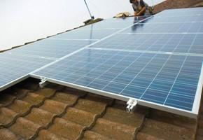 Taglia Impianto fotovoltaico: 2,99 Kwp Località: Goito (MN) Moduli utilizzati: Schott 230wp Inverter utilizzati: Power One