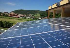 Taglia impianto fotovoltaico: 6 Kwp Località: Passirano (Brescia) Moduli utilizzati: REC SOLAR 240wp Inverter utilizzati: Power One