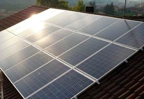 Taglia impianto fotovoltaico: 5.76 Kwp Località: Villar Perosa (Torino) Moduli utilizzati: BOSCH 240wp Inverter utilizzati: Solarmax
