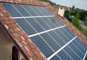 Taglia impianto fotovoltaico: 6 Kwp Località: Lumezzane (Brescia) Moduli utilizzati: QCELL CIIGS 110wp Inverter utilizzati: Mastervolt