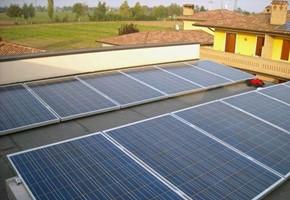 Taglia impianto fotovoltaico: 3 Kwp Località: Maclodio (Brescia) Moduli utilizzati: LINUO 245wp Inverter utilizzati: Enphase