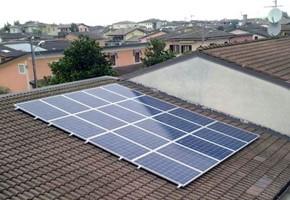 Taglia impianto fotovoltaico: 6 Kwp Località: Borgosatollo (BS) Moduli utilizzati: SOLON 245wp Inverter utilizzati: Power One