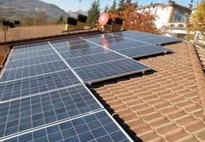 Taglia Impianto fotovoltaico: 6,00 Kwp Località: Odolo (BS) Moduli utilizzati: Solon 250wp Inverter utilizzati: Power One
