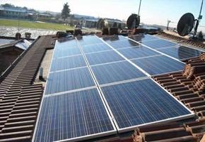Taglia impianto fotovoltaico: 9 Kwp Località: Rovato (Brescia) Moduli utilizzati: JA SOLAR 240wp Inverter utilizzati: Solarmax