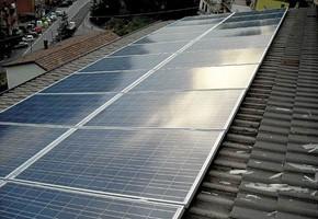 Taglia Impianto fotovoltaico: 5 Kwp Località:Lumezzane (Brescia) Moduli utilizzati: Torri solare 235wp Inverter utilizzati: Fimer