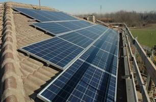 Taglia impianto fotovoltaico: 6 Kwp Località: Rivalta (Torino) Moduli utilizzati: SOLON 245wp Inverter utilizzati: Power One