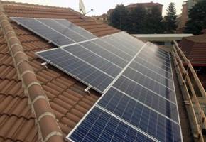 Taglia impianto fotovoltaico: 6 Kwp Località: Alpignano (Torino) Moduli utilizzati: SOLON 245wp Inverter utilizzati: Solarmax