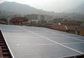 Taglia impianto fotovoltaico: 6 Kwp Località: Lumezzane (Brescia) Moduli utilizzati: SUNRISE 245wp Inverter utilizzati: Power One