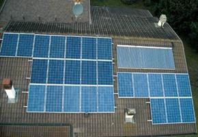 Taglia Impianto fotovoltaico: 6 Kwp Località: Preseglie (Brescia) Moduli utilizzati: Rec solar 235wp + Torri solare 225wp Inverter utilizzati: Power One