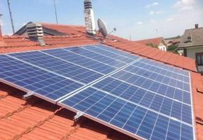 Taglia impianto fotovoltaico: 3 Kwp Località: Pianezza(Torino) Moduli utilizzati: SOLON 245wp Inverter utilizzati: Power One