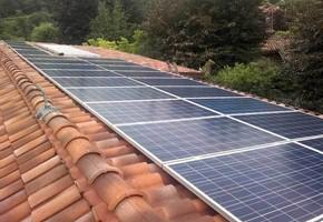 Taglia impianto fotovoltaico: 6 Kwp Località: Botticino (Brescia) Moduli utilizzati: SOLON 245wp Inverter utilizzati: PowerOne