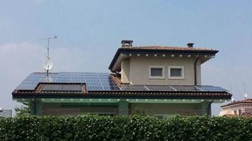 Taglia impianto fotovoltaico: 9 Kwp realizzato con moduli Qcell e inverter ABB presso abitazione privata a Poncarale (BS)