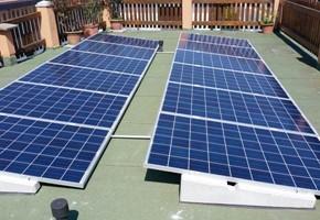 Taglia impianto fotovoltaico da 3 kwp con moduli QCELL, inverter ABB, massimizzatori TIGO, su terrazza, con zavorre autoportanti, senza forature nella copertura