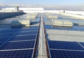 Taglia impianto fotovoltaico: 100 Kwp Località: Pianezza (Torino) Moduli utilizzati: SOLON 245wp Inverter utilizzati: Power One