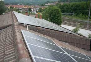 Taglia impianto fotovoltaico: 20 Kwp Località: Avigliana (Torino) Moduli utilizzati: Suntech 200wp Inverter utilizzati: RefuSol