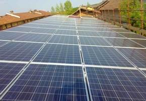 Taglia impianto fotovoltaico: 20 Kwp Località: Piscina (Torino) Moduli utilizzati: REC 235wp Inverter utilizzati: RefuSol