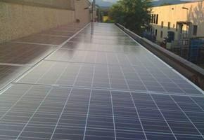 Taglia impianto fotovoltaico: 16 Kwp Località: Cazzago San Martino (Brescia) Moduli utilizzati: QCELL 235wp Inverter utilizzati: Solarmax