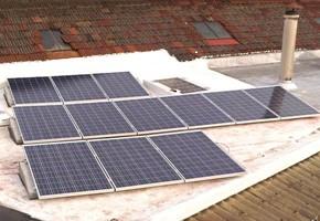 Taglia impianto fotovoltaico: 2,99 Kwp Località: Venaria Reale (Torino) Moduli utilizzati: REC 235wp Inverter utilizzati: Power One