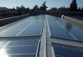 Taglia impianto fotovoltaico: 94 Kwp Località: Roncadelle (Brescia) Moduli utilizzati: YINGLI SOLAR 235wp Inverter utilizzati: Power One